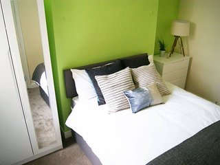 Birmingham Guest House 14, Room 2 - Castle Bromwich vacation rentals