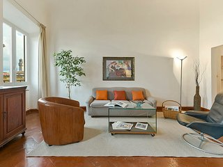 Peonia - Florence center near Ponte Vecchio 2 bdr - Florence vacation rentals