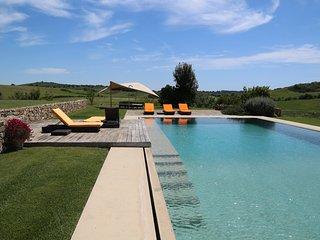 Comfortable 6 bedroom Borgo Carige Villa with Deck - Borgo Carige vacation rentals