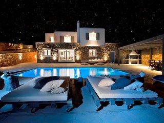 Villa Diamond - up to 26 ppl, near Town - Kanalia vacation rentals