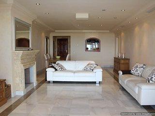 Stunning 2 Bed Apartment with Stunning Coast Views Benahavis - San Pedro de Alcantara vacation rentals