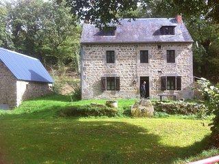 Authentique maison des Combrailles - Saint-Gervais-d Auvergne vacation rentals
