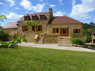 Le Chataignier, a beautifully renovated farm, now a chic holiday home with pool - Nabirat vacation rentals