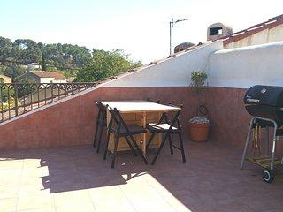 Studio Terrasse 45m2 au calme. Proche Centre ville / Golf / Randonnées / Plages. - Plan De Cuques vacation rentals