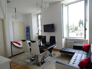 Studio with a fabulous view of Place Massena - Nice vacation rentals