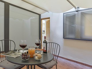 Rosselli - Florence 1 bdr outside ZTL area - Florence vacation rentals