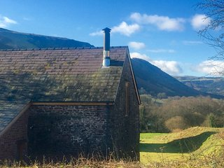 3 bedroom House with Internet Access in Llangynidr - Llangynidr vacation rentals
