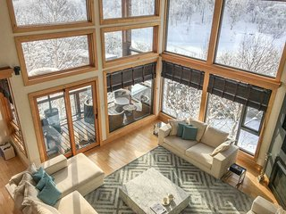 Zekkei, 6BR Luxury Alpine Chalet in Hirafu, Epic Yotei Views, Kids Room - Kutchan-cho vacation rentals