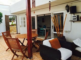 Beautiful 2 bedroom Telde Apartment with Internet Access - Telde vacation rentals