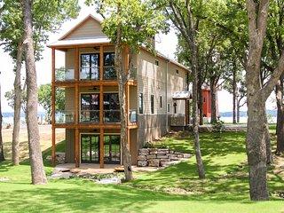 Grand Lake Resort Home in New Lakeside Community - Disney vacation rentals