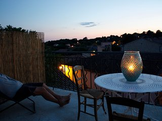 Le chapeau de paille roof top apartment - Junas vacation rentals