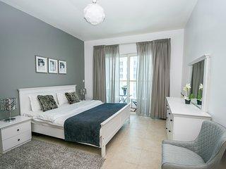 WALK to MARINA WALK & the JBR BEACH - Emirate of Dubai vacation rentals