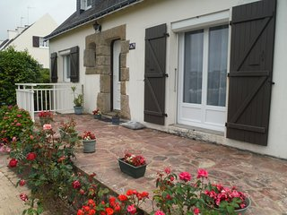 Nice House with Internet Access and Satellite Or Cable TV - Queven vacation rentals