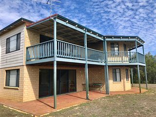Spacious 4 bedroom Cape Naturaliste House with Deck - Cape Naturaliste vacation rentals
