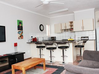 Comfortable 4 bedroom East London Lodge with Internet Access - East London vacation rentals