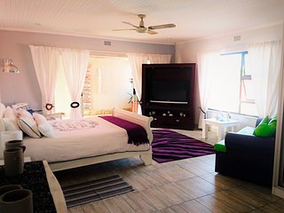 Glenluce Guesthouse - Unit Dublin - Fourways vacation rentals