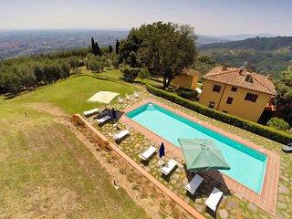 Bright 5 bedroom Massa e Cozzile Villa with Internet Access - Massa e Cozzile vacation rentals