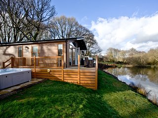 Waters Edge, Lakeview Manor located in Honiton, Devon - Honiton vacation rentals