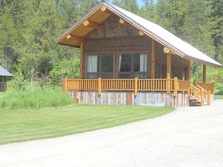 Cozy Coram Cabin- Luxurious with Rustic Feel - Coram vacation rentals