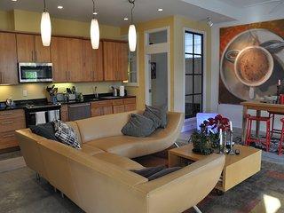 Historic Loft- 3BR/2BA Exquisite w/Garden * Metro * Hot Location - Washington DC vacation rentals