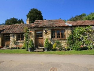 Stable Cottage, Castle Combe.  Beautiful location !! - Castle Combe vacation rentals