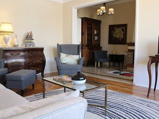 Casa Cruz - Romantic and Spacious apartment in Old Town - Lisbon vacation rentals