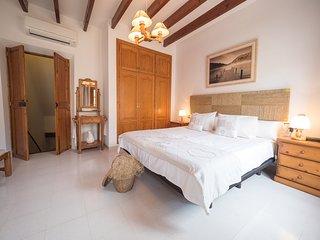 Es Carreró ☼ Típica casa de pueblo - Santa Margalida vacation rentals