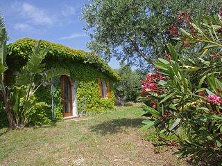 Nice Villa with Internet Access and Balcony - Scialara vacation rentals