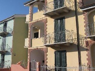 APPARTAMENTO BILOCALE SECONDO PIANO - Valledoria vacation rentals
