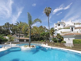 1. line Beach Apartment at Golden Beach,Terrace ,3 pools and hugh garden area - Elviria vacation rentals
