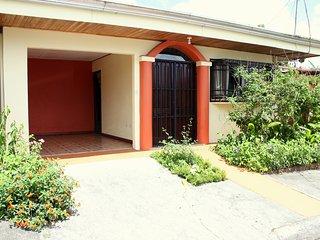 Arenal Downtown Home - Friends & Families Gateway - La Fortuna de San Carlos vacation rentals