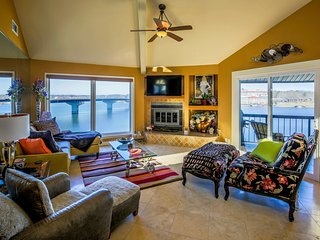 STONERIDGE CONDO... Luxury Gated lakefront condo complex, WIFI, No stairs, - Hot Springs vacation rentals