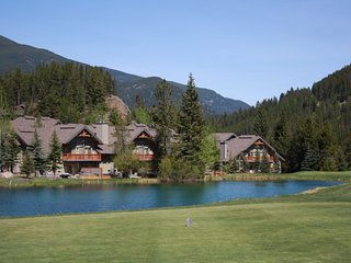 Lone Wolf Chalet- Backs onto Greywolf 9th Hole, Ski-In/Ski-Out & Private Hot Tub - Panorama vacation rentals