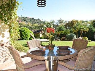 2 Bedroom Garden Apartment with WIFI & Parking Benahavis - Benahavis vacation rentals