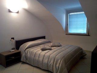 """B&B """"l'Attico di Angela"""" vicino alla Reggia di Caserta e Anfiteatro Campano - San Prisco vacation rentals"""