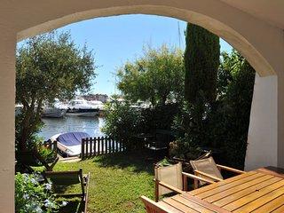Nice 3 bedroom Port Grimaud Villa with A/C - Port Grimaud vacation rentals