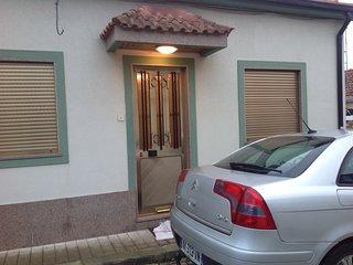 Maison de ville plain pied (2 chambres) - Rio Mau vacation rentals