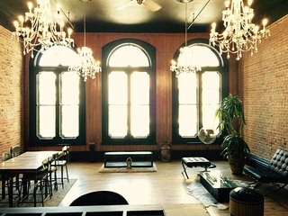 CHARMING INDUSTRIAL DUPLEX 2BR CENTER OLD MONTREAL - Montreal vacation rentals