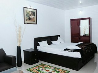 Home stay in 5 star Hotel price - Meppadi vacation rentals