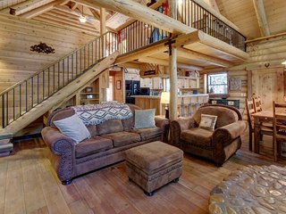 Natural log cabin w/guest house & game room, perfect for family vacations! - Idyllwild vacation rentals