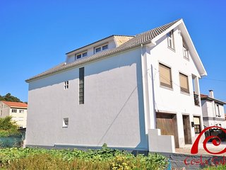 Nice Apartment with Internet Access and Television - Muros vacation rentals