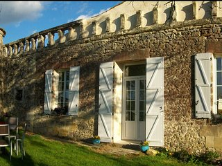 4-star Self Catering Gîte in the Gironde - Lamothe-Landerron vacation rentals