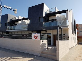 Luxury 3 bedroom 3 bathroom house, El Manatial, Playa Flamenca - Playas de Orihuela vacation rentals