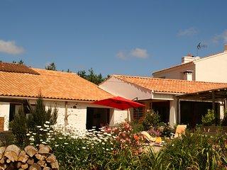 """Maison d'hotes """"La Chèvrerie"""" près des Sables d'olonne - Vaire vacation rentals"""