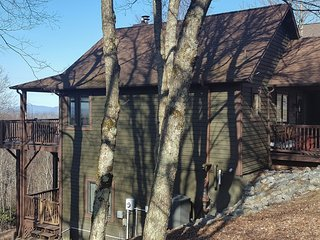 A Bears Den - Blowing Rock vacation rentals