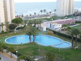 Beachfront Urbanova Beach. Wonderfull Resort. Pool - Alicante vacation rentals
