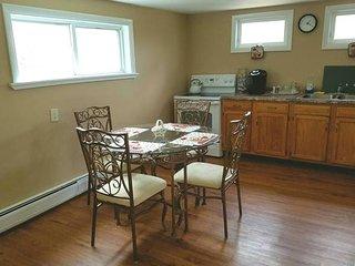 Quiet 2 bedroom, 2nd floor, entire apartment. - Easton vacation rentals