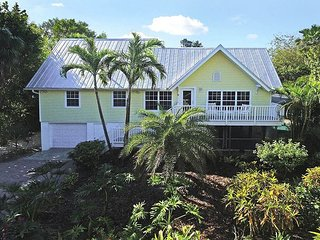 Summer Special! Captiva Village area home with pool - Captiva Island vacation rentals