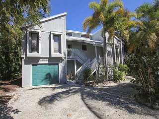 Comfortable home near the beach with community pool and tennis - Sanibel Island vacation rentals