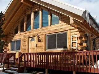 *FAMILY/PET FRIENDLY- LOG CABIN/HOME. FLEX Pricing. - Crestone vacation rentals